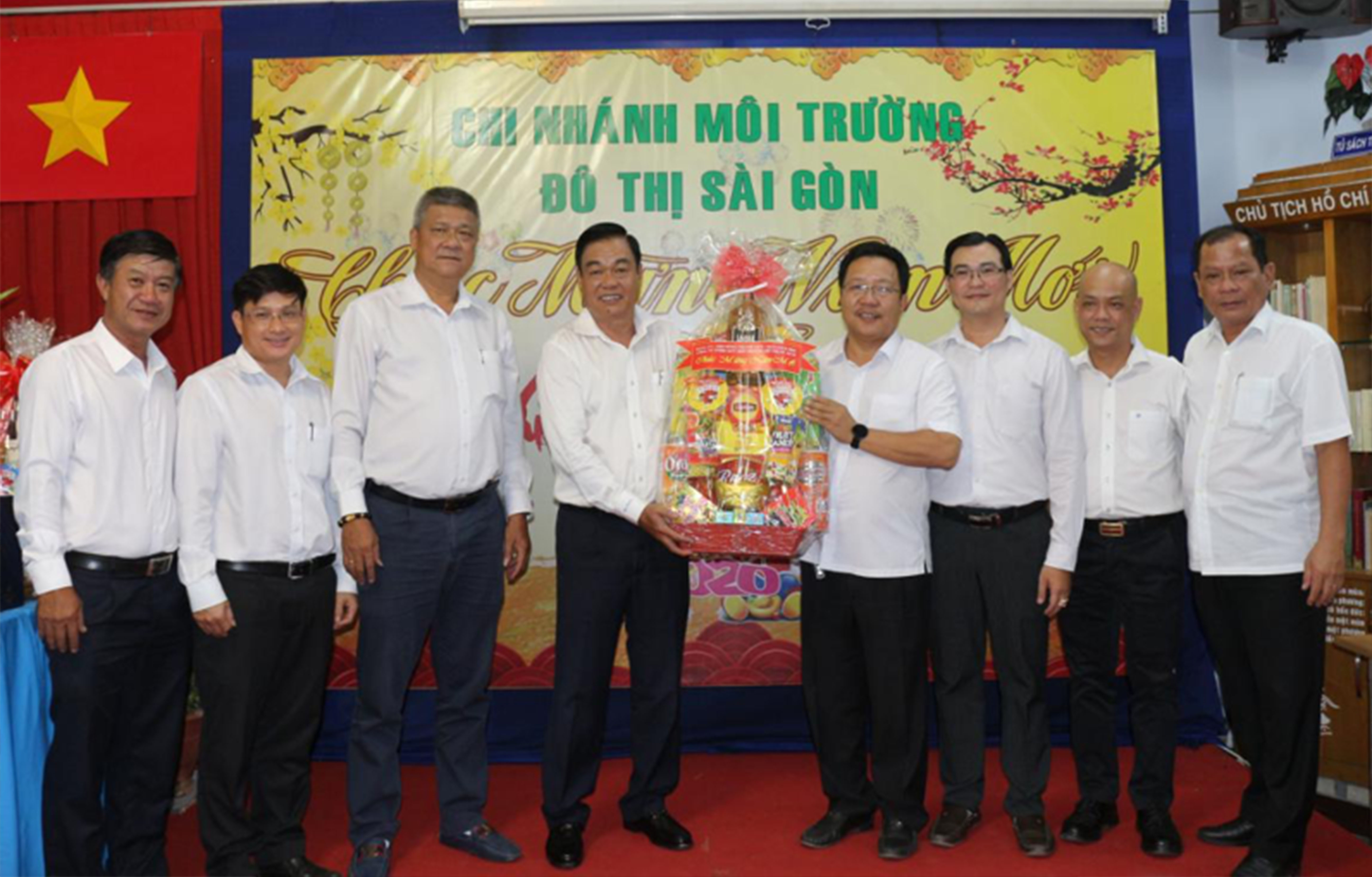 Công ty thăm và chúc Tết CN MTĐT Sài Gòn
