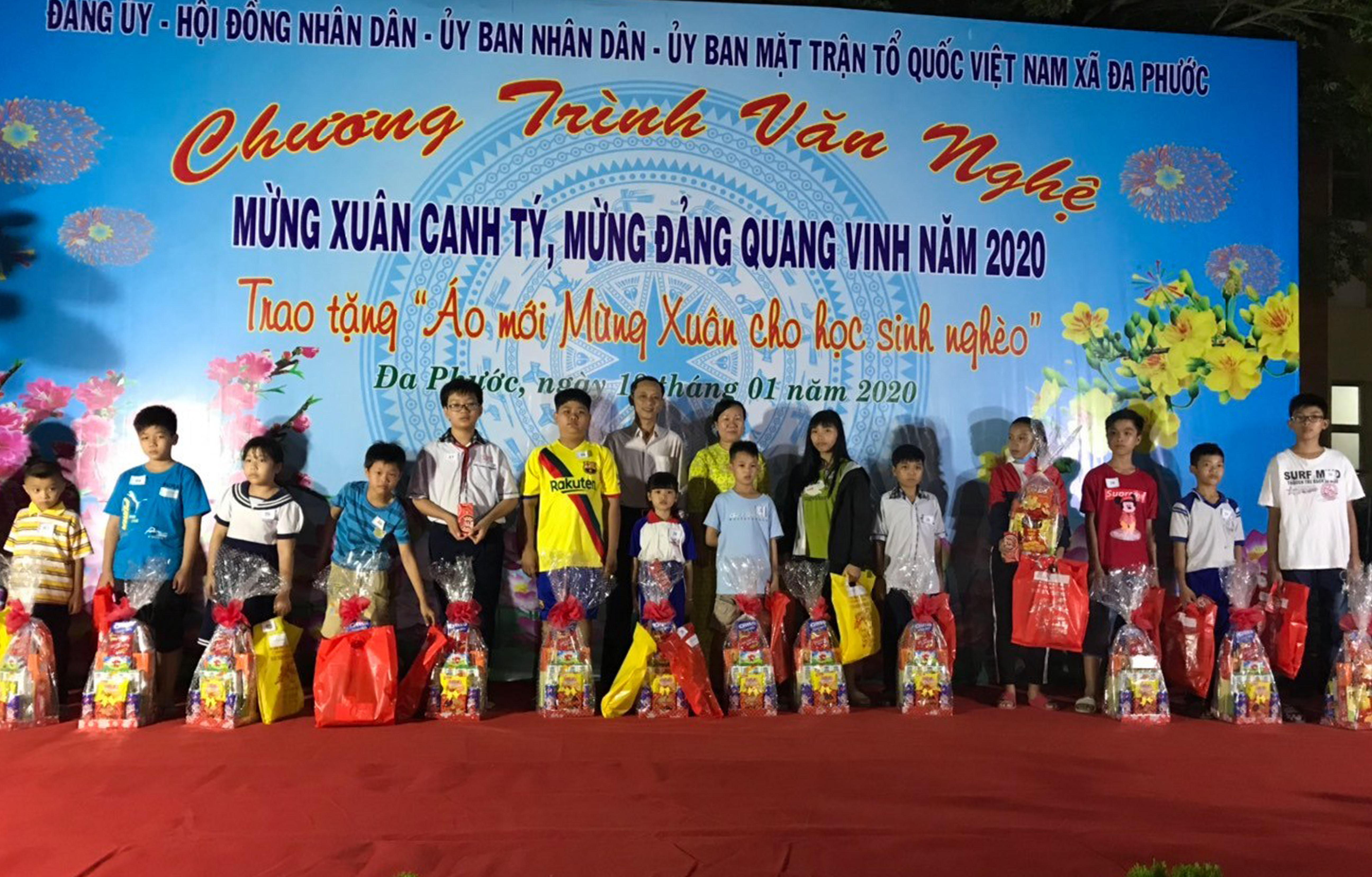 Thăm và tặng quà Tết tại xã Đa Phước, Bình Chánh