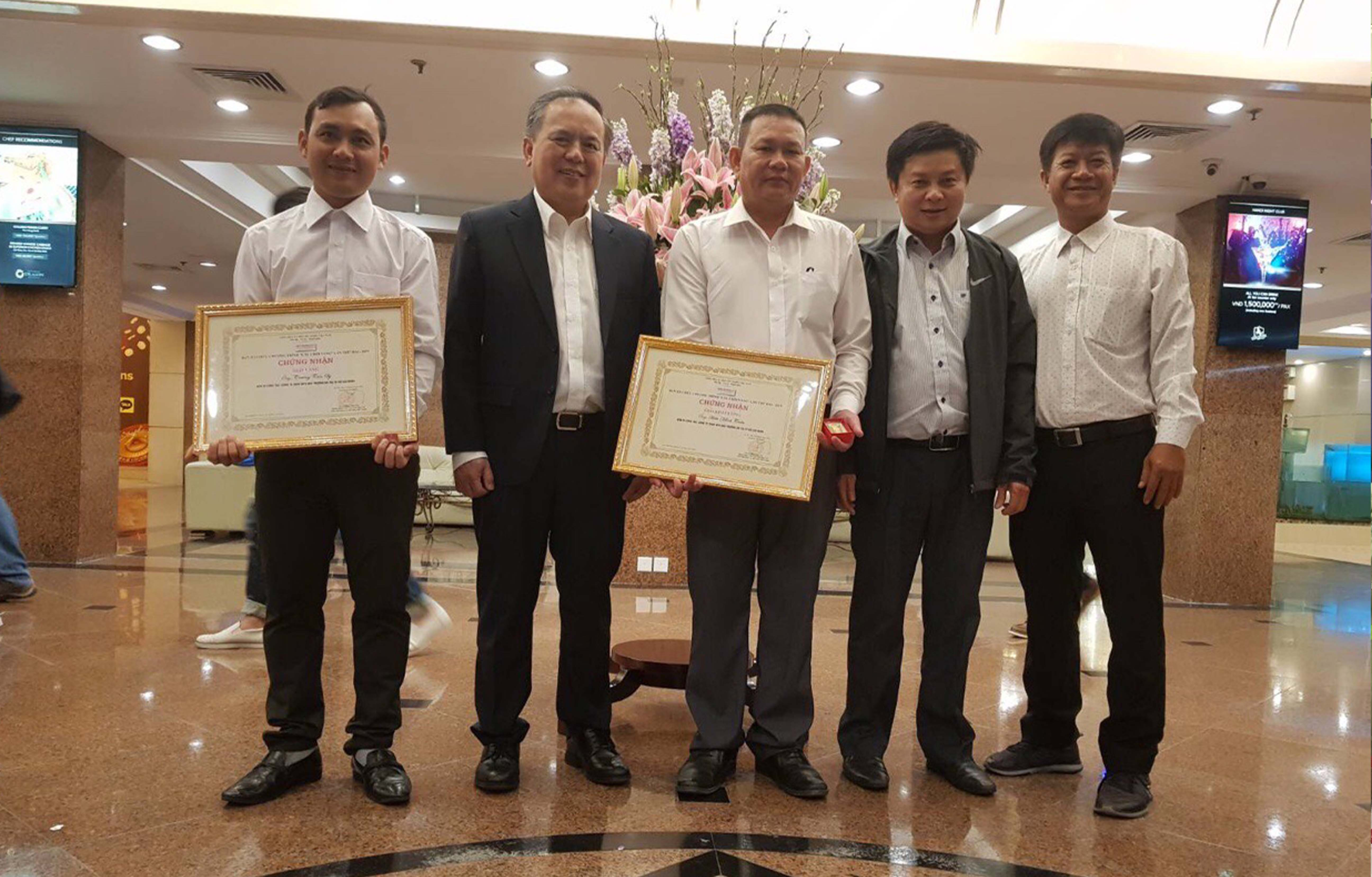 Cây chổi vàng năm 2019 tôn vinh công nhân vệ sinh môi trường