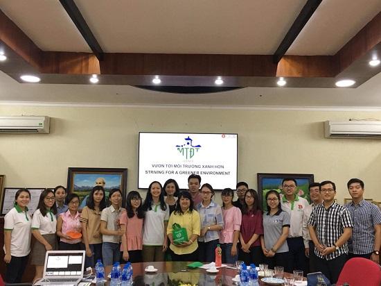 Gặp gỡ và chia sẻ kinh nghiệm với sinh viên trường Đại học Tài nguyên & Môi trường